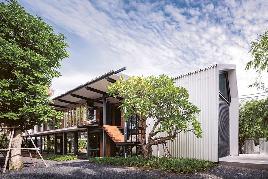 บ้านโชว์โครงสร้างเหล็ก บ้านสตูดิโอ อยู่อาศัยและเป็นโฮมออฟฟิศ