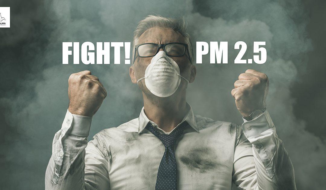 กทม.เข้มงวดมาตรการป้องกันฝุ่น PM2.5 – ฉีดพ่นละอองน้ำลดฝุ่นรอบสถานที่ก่อสร้าง